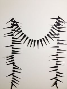 A Garland of Spikes | 24 Beautiful And Stylish Ways To Decorate For Halloween