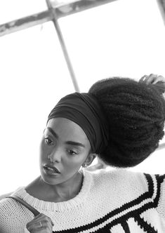 "and-other-stories: "" We captured the NYC-based Quann sisters in a fashion story featuring a mix of our most cherished winter knits. Fashion Story, Star Fashion, Big Hair, Your Hair, Quann Sisters, Cipriana Quann, Curly Hair Styles, Natural Hair Styles, Twin Models"