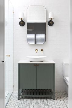 10 small bathroom organisation tips to maximise space – Home living color wall treatment kitchen design Bathroom Plants, Bathroom Colors, Bathroom Ideas, Bamboo Bathroom, Bathroom Photos, Bath Ideas, Bathroom Inspiration, Classic Bathroom, Modern Bathroom