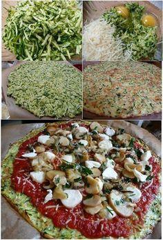 Base de pizza hecha con calabacines rallados , queso y dos huevos !!!