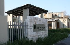 Bourgogne Entrance