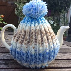 Tea Cozy rib design in blue and coffee tweed yarn 4-6 by Melsey