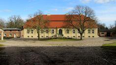 Panoramio - Photo of Werbelow, Gutshaus (Feb. 2014)