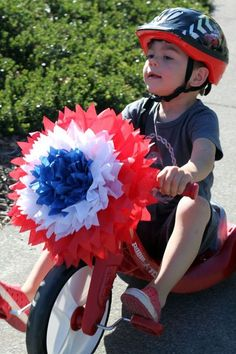 deck out your trike for the From tikes to grown up big daddy's motorbikes! of July is a good reason for FUN! 4th Of July Parade, Fourth Of July Decor, 4th Of July Celebration, 4th Of July Decorations, July 4th, Bike Wagon, Crafts To Make, Arts And Crafts, Easy Crafts