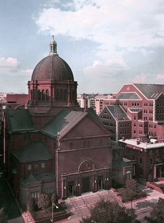 An Outside View Of St Matthew's Cathedral In Washington, D. Where President Kennedy's Funeral Service Was Held U.s. States, United States, Jfk Funeral, Kennedy Assassination, Memorial Hospital, John F Kennedy, Us Presidents, Capital City, Washington Dc