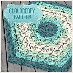 Last night I published the #cloudberryblanket pattern on my blog in both Swedish and english, and with a colour guide for this version made with #scheepjeseliza yarn from @favoritgarner ☁️ . Igår kväll publicerade jag mönstret till Cloudberry-filten på min blogg på både Svenska och Engelska, plus en färgguid till denna version gjord i garnet Scheepjes Eliza från @favoritgarner ☁️ . #mijocrochet #favoritgarner #scheepjes #virkadbabyfilt #virkadfilt #crochetbabyblanket #crochetblanket…