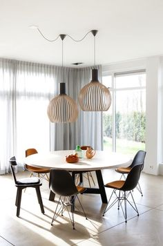 Eames Plastic DSR chairs by Vitra and OCTO lamp by Secto Design, available from Manuel Lucas Muebles, Elche Decor, Minimalist Dining Room, Dining Room Design, Living Dining Room, Dining Room Inspiration, Home Decor, Dining Table Lighting, Dining, Dining Room Sets