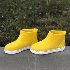 Needle Felted Animals, Felt Animals, Needle Felting, Ugg Boots, Shoe Boots, Felted Slippers, How To Make Shoes, Uggs, Slip On