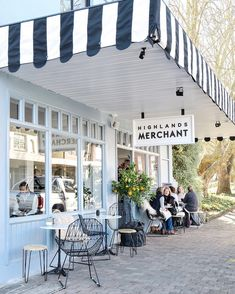 Highlands Merchant cafe in the Southern Highlands of Australia. | Photo by @cottonwoodandco