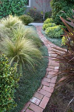Garden Border Easy Pathway Use Permeable Pavers To Make It More Eco Or