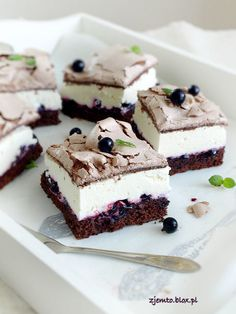 Ciasto Cassis – Zjem to! Sweet Recipes, Cake Recipes, Dessert Recipes, Eastern European Recipes, Romanian Food, Polish Recipes, Polish Food, Food Cakes, Something Sweet