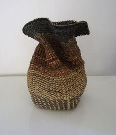 Dorthe Steffensen. Krøllet vase.