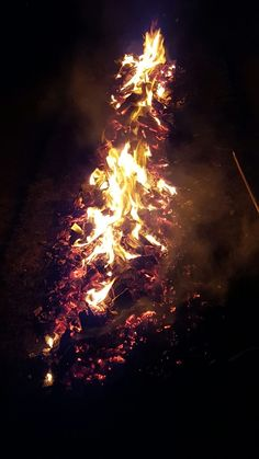 What temperature do you reckon our #coal was at? #Firewalk