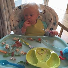 Who had a  #ParentOn moment today? #tommeetippee #foodeverywhere #weaning #dinnertime #sundaydinner #mess #instababy