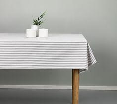 Fată de masă TIGERLILJA 140x240 gri/alb   JYSK