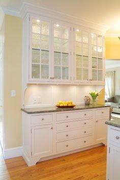 make cabinets look like a hutch