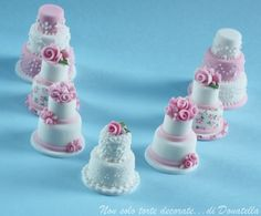 Mini wedding cake (Polymer Clay - Fimo - Cernit) https://www.facebook.com/MondoDiSisina https://www.etsy.com/it/shop/MondoSisina