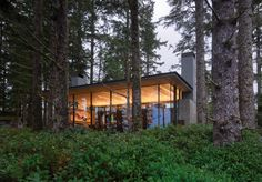 Gallery of Tofino Beach House / Olson Kundig - 1 Amazing Architecture, Landscape Architecture, Architecture Design, Cottage In The Woods, Glass Floor, House Made, Vancouver Island, Design Consultant, Interior And Exterior