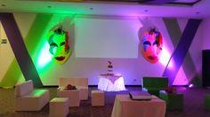 Quince años # Centros de mesa para quince años # arreglos de quince años # decoracion de quince años # estilo Mardi Gras