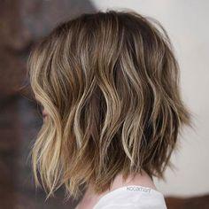 Haar Balayage Brown Blonde Haircut For Thick Hair, Haircuts For Long Hair, Short Hair Cuts, Haircut Medium, Medium Haircuts, Short Hair Cut For Round Faces, Short Medium Hair Styles, Wavy Hair, Thick Short Hair