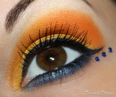 Sailor Venus inspired make up by http://www.talasia.de/2012/12/03/look-sailor-venus-inspired-make-up/