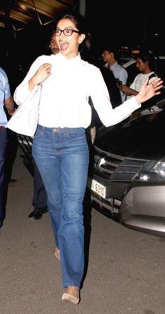 Deepika Padukone was elated looking at someone at Mumbai airport. #Bollywood #Fashion #Style #Beauty