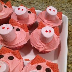 Piggy cupcakes! Great snack to do with the kiddos! Perfect while valentines day stuff is out! Strawberry cake, strawberry frosting, pink marshmallows, strawberry wafers and chic chips ;)