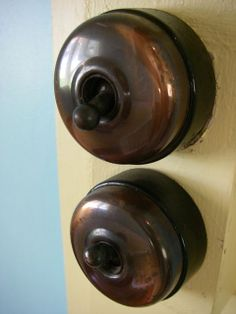 Antique light switches. Give me!