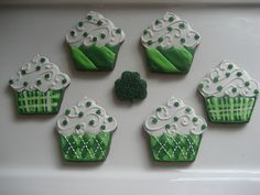 St. Patty's Day Cookie Cupcakes
