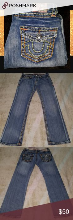"True Religion Bobby size 29 True Religion Bobby size 29 inseam is 30"" and rise is 8"" True Religion Jeans Boot Cut"