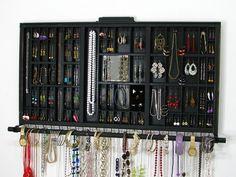 Ce tiroir belle dimprimante Antique a été réaffecté pour contenir toute la plupart tous vos bijoux, nos emplacements de goujon sont faciles à