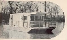 Rarest of the rare a Spartan houseboat. The company abandoned the idea almost as soon as production began. This would be heaven for me. Tiny Trailers, Camper Trailers, Vintage Rv, Vintage Campers, Spartan Trailer, Tin Can Tourist, Retro Camping, Boat Fashion, Camper Caravan