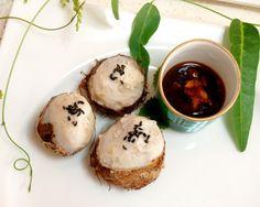 小芋の「きぬかつぎ」に生姜醤油・揚げにんにくを加えたタレのレシピです。