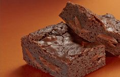 Try this HERSHEY'S BAKING MELTS Fudgey Brownies recipe, made with HERSHEY'S products. Enjoyable baking recipes from HERSHEY'S Kitchens. Bake today.