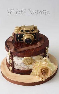 Vintage Leica Camera Cake - Cake by Sihirli Pastane Pretty Cakes, Cute Cakes, Beautiful Cakes, Yummy Cakes, Amazing Cakes, Fancy Cakes, Mini Cakes, Cupcake Cakes, Bolo Sherlock