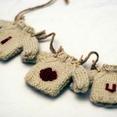 KNIT these I HEART U mini-sweaters with a *free* pattern.  Via Kate Preston Handknits.
