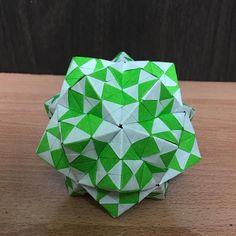 いいね!34件、コメント2件 ― OrigamiMathThailandさん(@narong_pbru)のInstagramアカウント: 「Sonobe variation designed by me #origami #origamiart #origamiunit #origamiball #origamimodular…」
