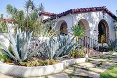 Sculptural Desert Spanish Landscape Spanish Landscaping, Spanish Backyard, Spanish Courtyard, Spanish Garden, Home Landscaping, Spanish Bungalow, Spanish Style Homes, Spanish Revival, Spanish House