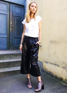 5 Outfit Formulas Every Blogger Uses via @WhoWhatWear