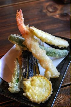 Japanese food tempura One of my favorites Sushi Recipes, Seafood Recipes, Asian Recipes, Mexican Food Recipes, Japanese Dishes, Japanese Food, My Favorite Food, Favorite Recipes, Good Food