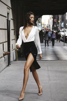 """You become the girl below! - """"/s/ - Sexy Beautiful Women"""" is imageboard dedicated to sharing images of softcore pornography. Sexy Outfits, Sexy Dresses, Cool Outfits, Fashion Outfits, Fashion Skirts, Simple Outfits, Fashion Shoes, Elegantes Outfit, Anna Wintour"""