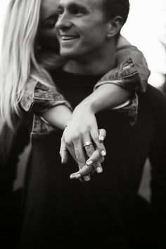 Top 20 engagement ring photos and images ring boho fashion for teens vintage wedding couple schmuck verlobung hochzeit ring Engagement Announcement Photos, Engagement Ring Photos, Fall Engagement, Engagement Couple, Engagement Photography, Wedding Photography, Engagement Ideas, Country Engagement, Engagement Session