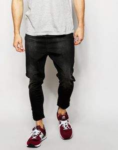 Like your skinny jeans but also like your drop crotch jeans?! Well now you can have the best of both worlds! Keep these cool and casual and wear with relaxed skater fit tee's.