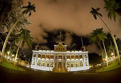 """Iolani Palace, Honolulu, the only American palace actually built for royalty. It was built in 1882 """"Merrie Monarch"""" King Kalakaua Honolulu Hi, Oahu, Queen Kapiolani, Throne Room, Castle House, Beautiful Castles, Medieval Town, Types Of Houses, Beautiful Places To Visit"""