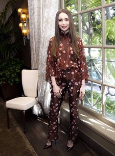 Lily Collins Hair, Lily Collins Style, Celebrity Gallery, Celebs, Celebrities, Hair Makeup, Kimono Top, Style Inspiration, My Style