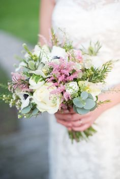 Bouquet Astible Roses Ivory Bride Bridal Flowers Soft Pink Rustic Winter Wedding http://www.capturedbykatrina.co.uk/