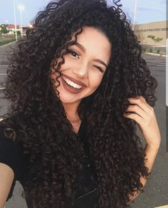 40 long natural curls hairstyles - New Hair Styles 2018 Long Natural Curls, Curls For Long Hair, Long Curly Hair, Natural Hair Styles, Short Hair Styles, Natural Waves, Wavy Hair, Kinky Curly Hair, Curly Wigs