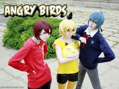 Angry birds: red, yellow, blue  by *palecardinal. This is an Angry Birds cosplay. Could I even express how awesome this is?