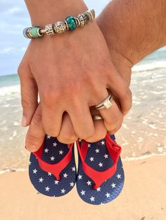 Baby announcement at the beach!
