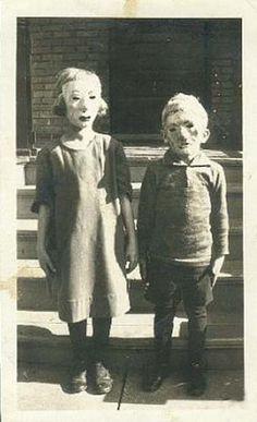 Extremely weird stuff: 18 Creepy Vintage Photographs